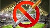 Янукович запретил курить на стадионах во время Евро-2012