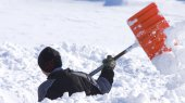 Волонтерам по лопате: ГосЧС придумала, как справляться со снегопадами