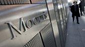 Moody's понизило рейтинги депозитов 12 крупнейших банков