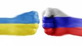 Украину считают врагом 32% россиян — опрос