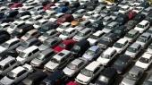 Продажи легковых авто упали почти в пять раз