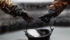 Нефть дешевеет на опасениях роста запасов в США, Brent торгуется по $53,06 за баррель