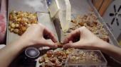 Под Киевом прикрыли цех по обработке нелегально добытого янтаря