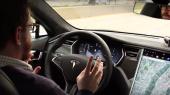 Tesla представила автопилот