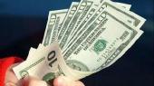 В ноябре физлица продали валюты на $70,2 млн больше, чем купили
