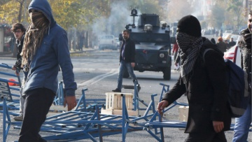 В Стамбуле полиция разогнала акцию протеста   Общество   Дело
