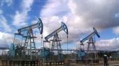 Нефть дешевеет на ожиданиях еще большего обвала цен после Нового года