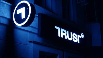 Компания бизнесмена Авраменко купила 42,5% банка