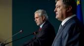 """КС упростил парламенту процедуру изменения Конституции, а СМИ сообщили полный """"список Савченко"""""""