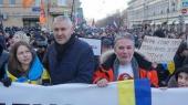 """Адвокат Савченко призывает выйти на """"мирный протест"""""""