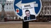 Парламент Исландии не стал наказывать правительство за офшорный скандал премьера