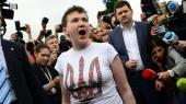 Надежда крупным планом. Первые минуты освобожденной Надежды Савченко в Украине