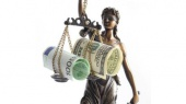 Главу МВФ будут судить, а Смартбанк ликвидируют